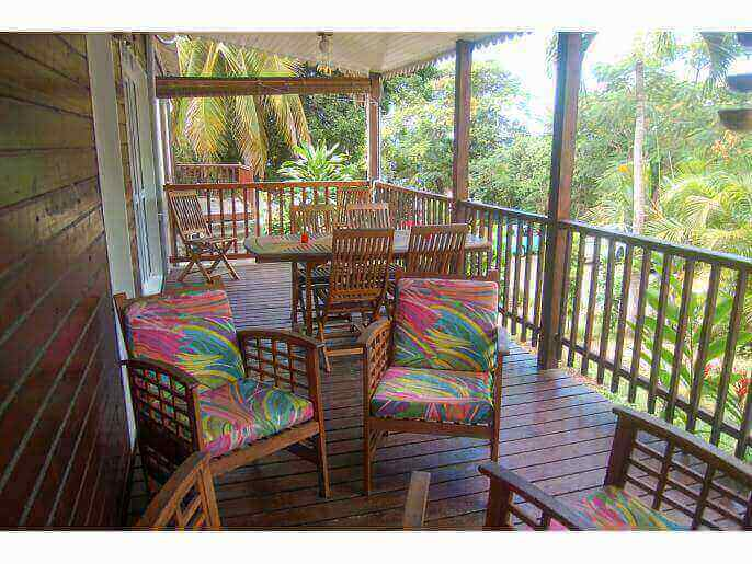 Location Bungalow Guadeloupe - Terrase coin repas
