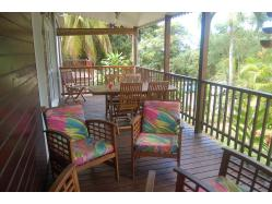 location maison Guadeloupe - Terrase coin repas