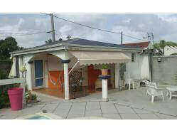 location maison Guadeloupe - Bungalow 2 couchages Les Abymes