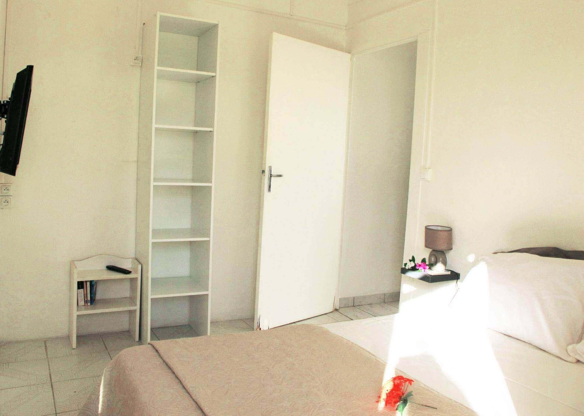 Location maison appartement guadeloupe 97190 le gosier 98 for Appartement maison