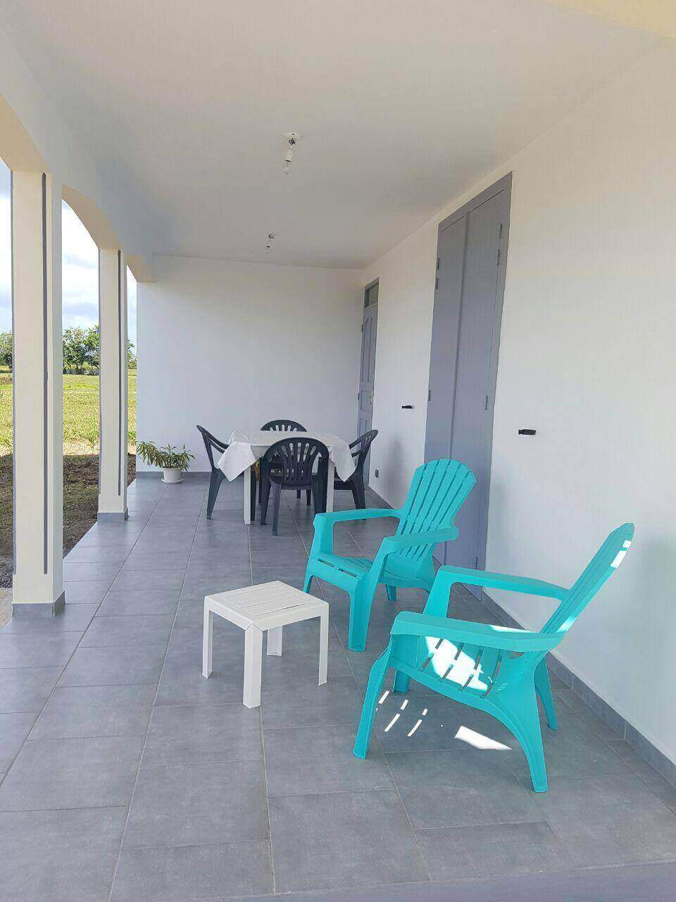 Location maison appartement guadeloupe sainte anne 64 for Location maison